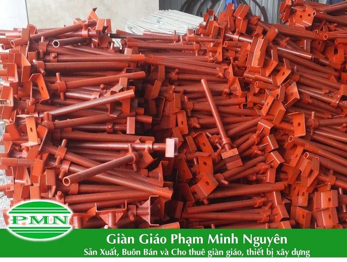 Gian-giao-Pham-Minh-Nguyen-San-xuat-kich-tang